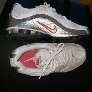 Nike Relax womens shoes size 8